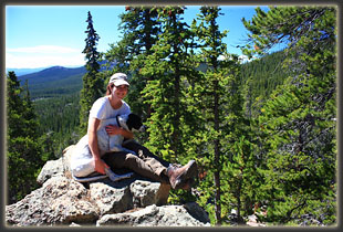Andra and Frank chilling out along North Lone Pine Trail